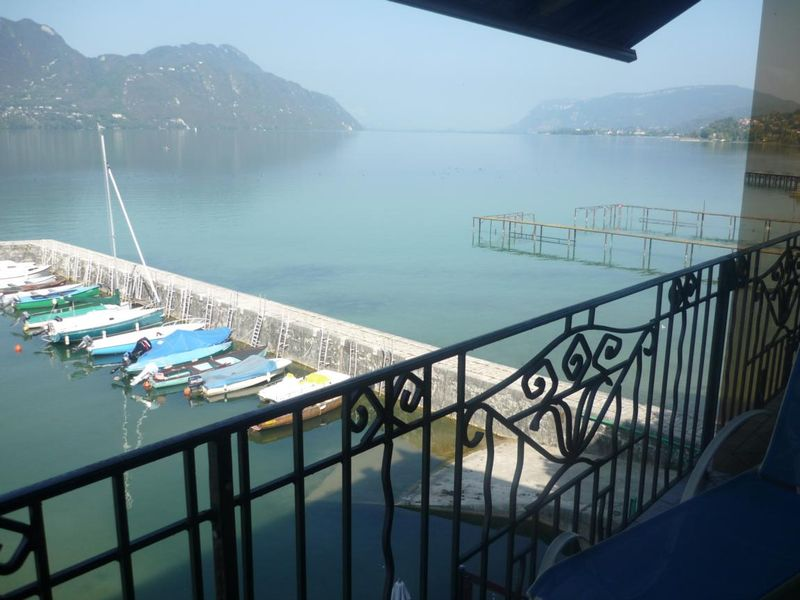 La vue lac d'une des chambres - Source : OT Aix-les-Bains - SITRA