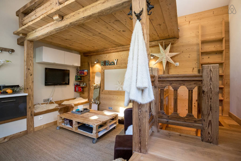 8 appartements airbnb d co pas cher dans les alpes - Appartement au design traditionnel moderne colore ...