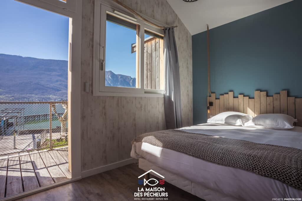la maison des p cheurs chambres avec vue sur le lac du bourget alti mag. Black Bedroom Furniture Sets. Home Design Ideas