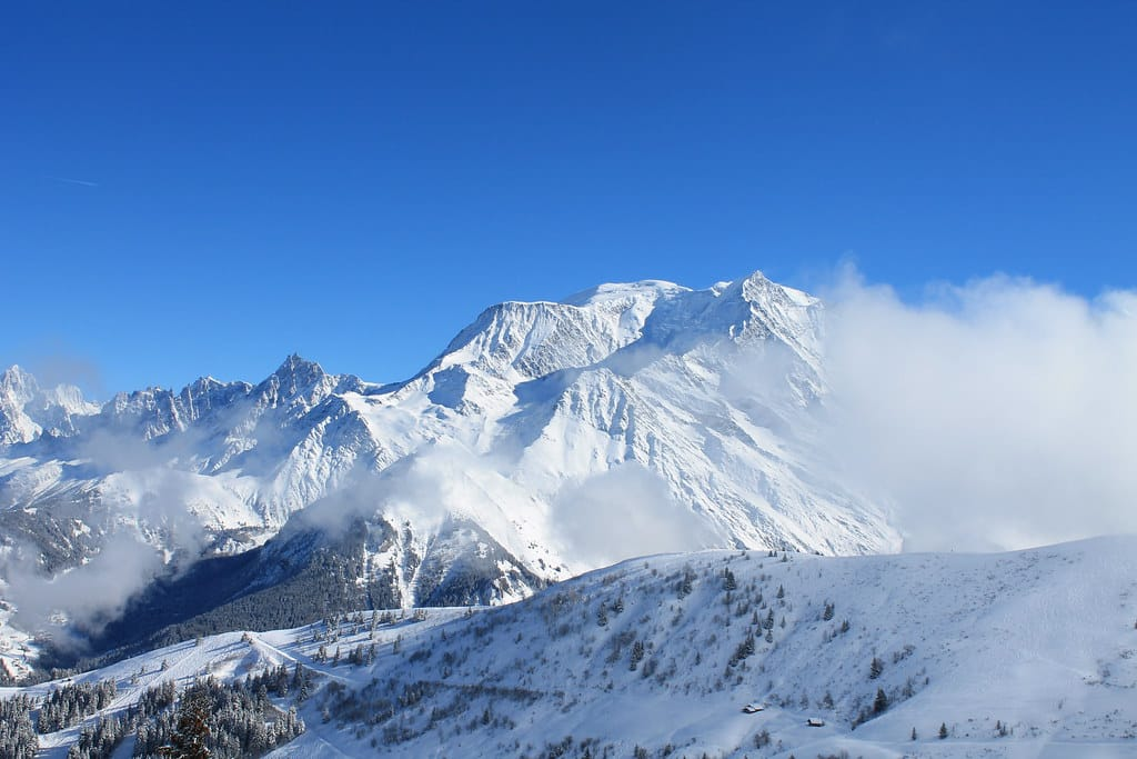 """Le Mont Blanc"" by Stefho74 is licensed under CC BY-NC-SA 2.0"